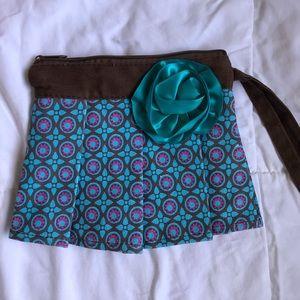 Handbags - Cute wristlet perfect for Fall!